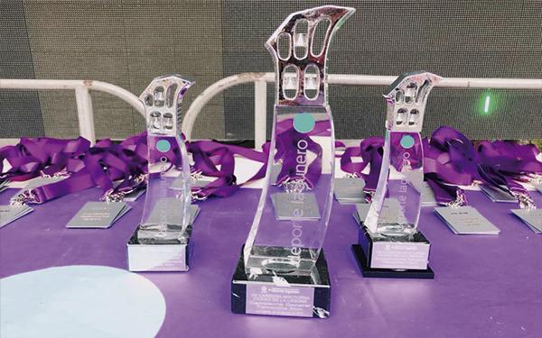 Trofeos de cristal y metacrilato